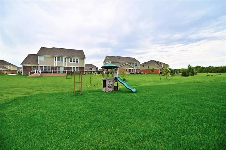 9977 Backstretch Row Fishers, IN 46040 | MLS 21661256 | photo 42