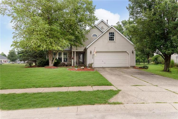 6283 Saddletree Drive Zionsville, IN 46077 | MLS 21661259 | photo 1