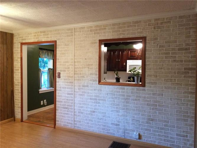 7116 E 14th Street Indianapolis, IN 46219 | MLS 21661268 | photo 12