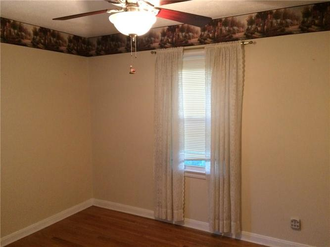 7116 E 14th Street Indianapolis, IN 46219 | MLS 21661268 | photo 17