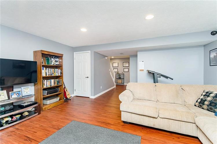 11505 Valley View Lane Indianapolis, IN 46236   MLS 21661272   photo 23