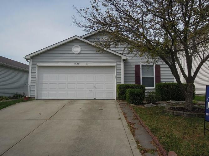 10688 Glenayr Drive Camby, IN 46113 | MLS 21661334 | photo 1