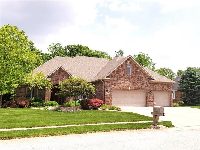 1649 Blue Phlox Drive Avon, IN 46123 | MLS 21661384 | photo 1