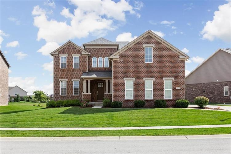 11237 E High Grove Circle Zionsville, IN 46077 | MLS 21661397 | photo 1