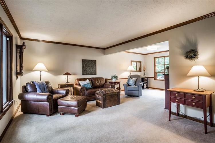 519 CANTERBURY Court Noblesville, IN 46060 | MLS 21661401 | photo 5