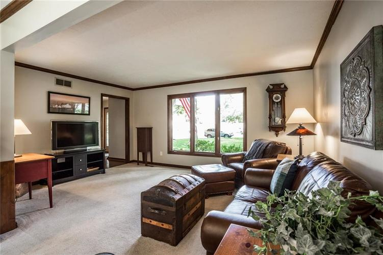 519 CANTERBURY Court Noblesville, IN 46060 | MLS 21661401 | photo 6