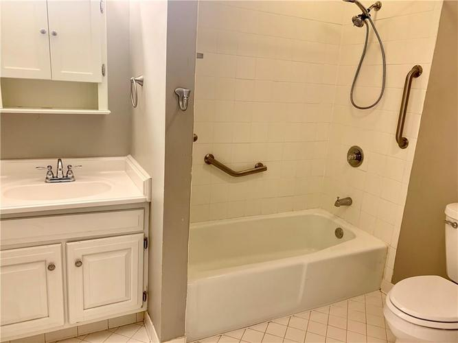 5220 Fawn Hill Terrace Indianapolis, IN 46226 | MLS 21661410 | photo 11