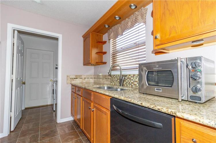 784 Runnymede Drive Greenfield, IN 46140   MLS 21661449   photo 11