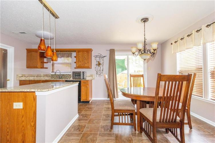 784 Runnymede Drive Greenfield, IN 46140   MLS 21661449   photo 14