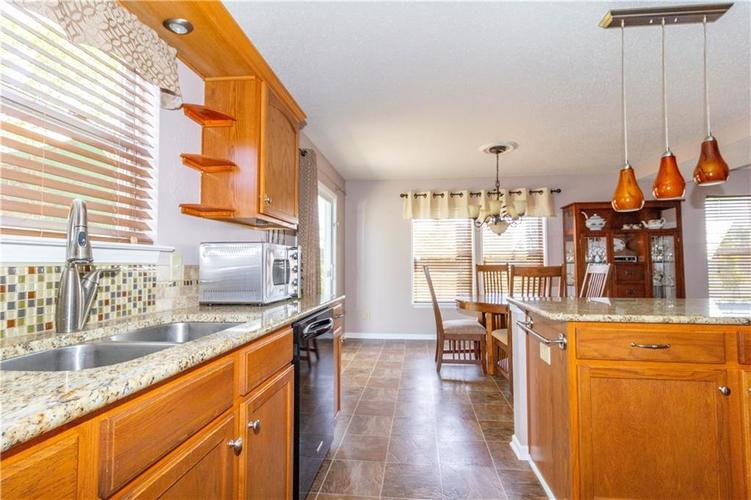 784 Runnymede Drive Greenfield, IN 46140   MLS 21661449   photo 15