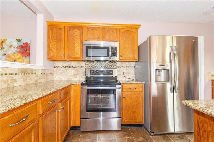 784 Runnymede Drive Greenfield, IN 46140   MLS 21661449   photo 16