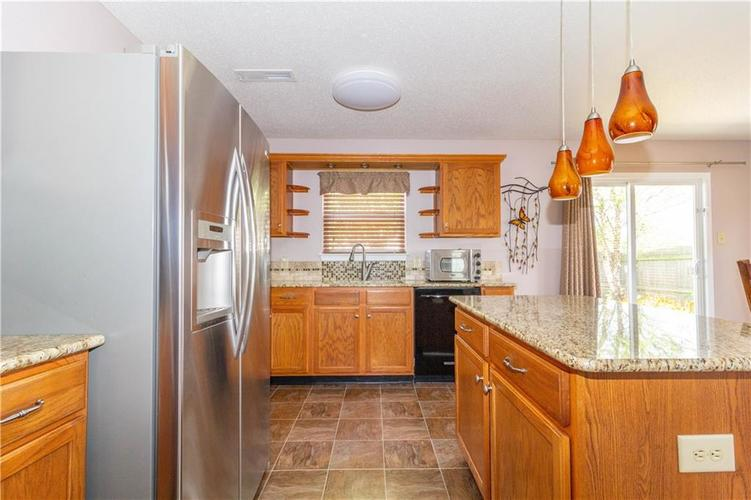 784 Runnymede Drive Greenfield, IN 46140   MLS 21661449   photo 18
