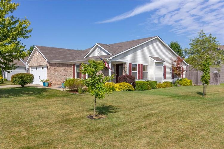 784 Runnymede Drive Greenfield, IN 46140   MLS 21661449   photo 2