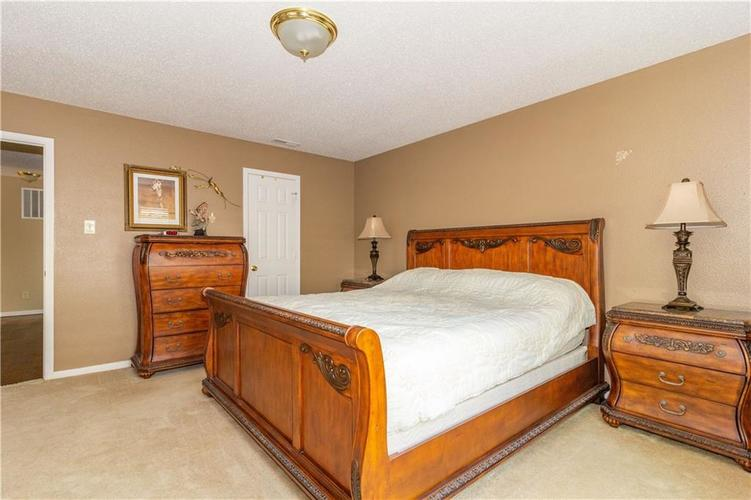 784 Runnymede Drive Greenfield, IN 46140   MLS 21661449   photo 8
