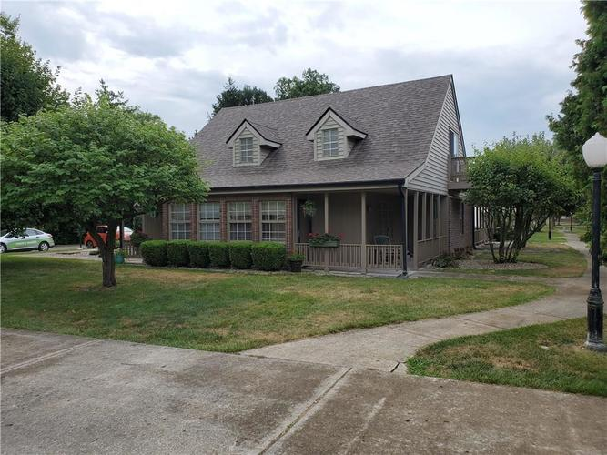 1005 Charleston Commons Drive #10 Anderson, IN 46012   MLS 21661477   photo 1