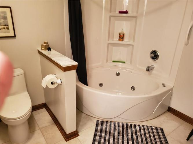1005 Charleston Commons Drive #10 Anderson, IN 46012   MLS 21661477   photo 13