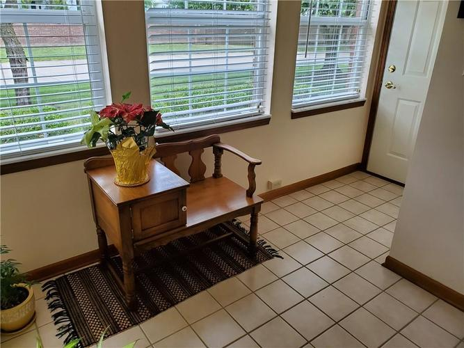 1005 Charleston Commons Drive #10 Anderson, IN 46012   MLS 21661477   photo 3