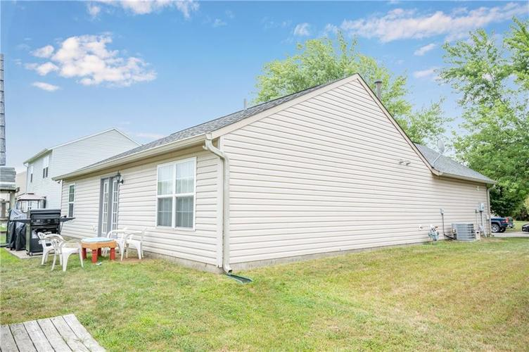 996 CANARY CREEK Drive Franklin, IN 46131   MLS 21661599   photo 17