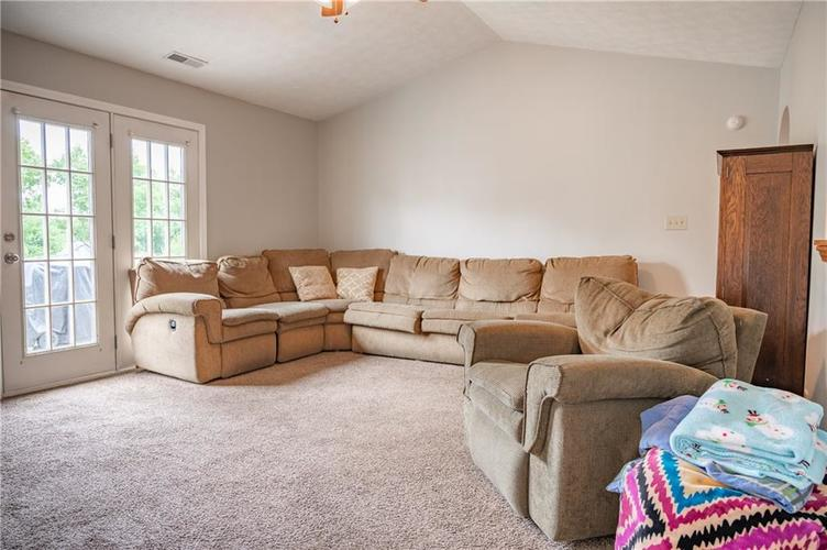 996 CANARY CREEK Drive Franklin, IN 46131   MLS 21661599   photo 6