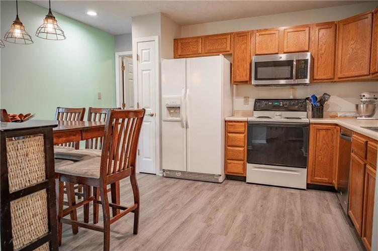 996 CANARY CREEK Drive Franklin, IN 46131   MLS 21661599   photo 8