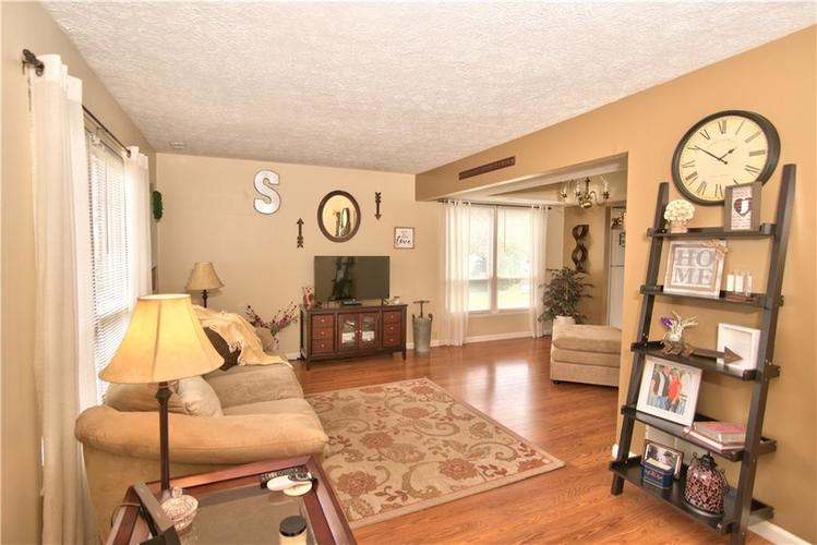 3547 N Insignia Court Indianapolis, IN 46214   MLS 21661613   photo 3