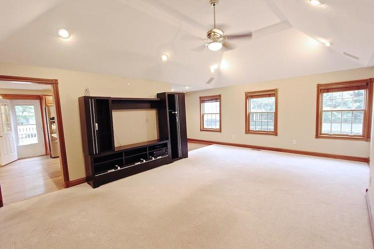 2410 S Post Road Indianapolis, IN 46239 | MLS 21661681 | photo 10