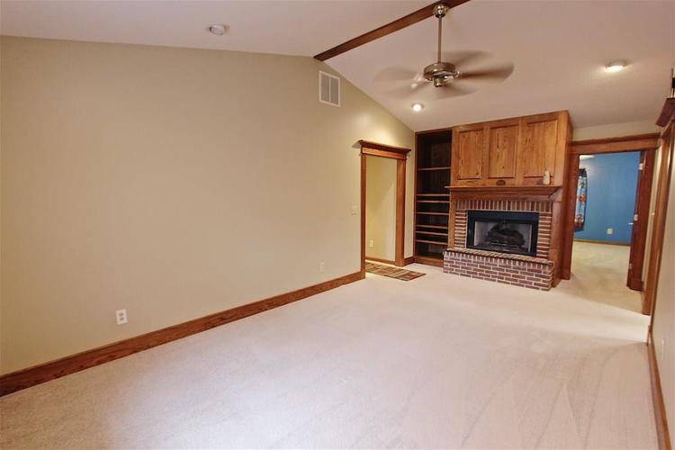 2410 S Post Road Indianapolis, IN 46239 | MLS 21661681 | photo 13