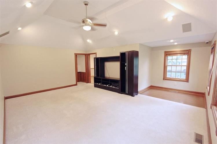 2410 S Post Road Indianapolis, IN 46239 | MLS 21661681 | photo 8