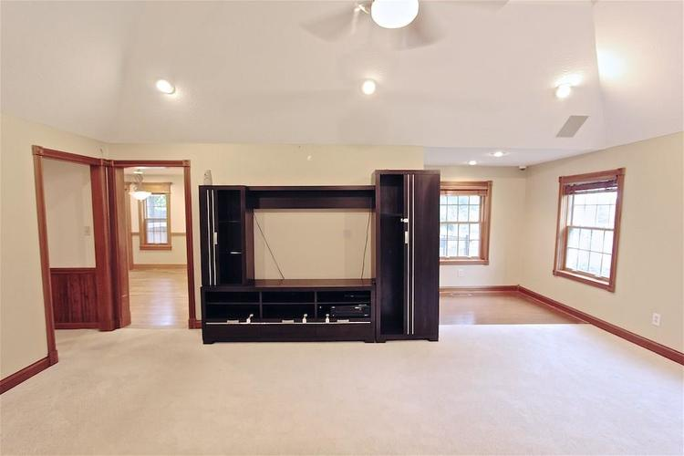 2410 S Post Road Indianapolis, IN 46239 | MLS 21661681 | photo 9