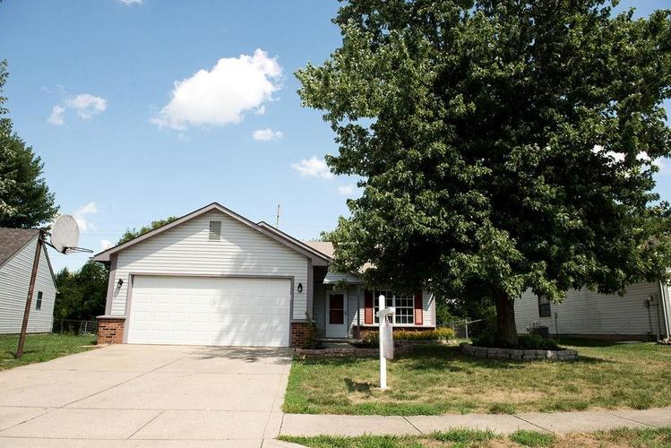 5761 Rosemont Drive Indianapolis IN 46254 | MLS 21661744 | photo 1