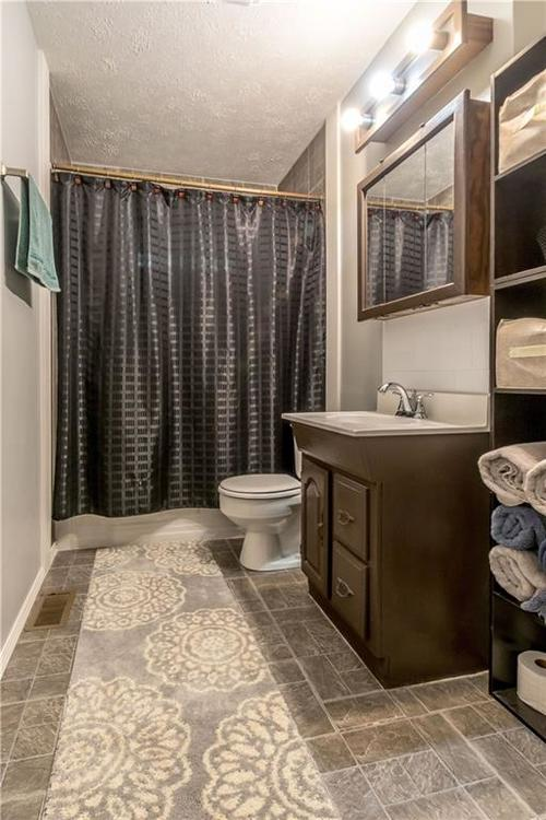4732 Norcroft Drive Indianapolis, IN 46221 | MLS 21661760 | photo 14