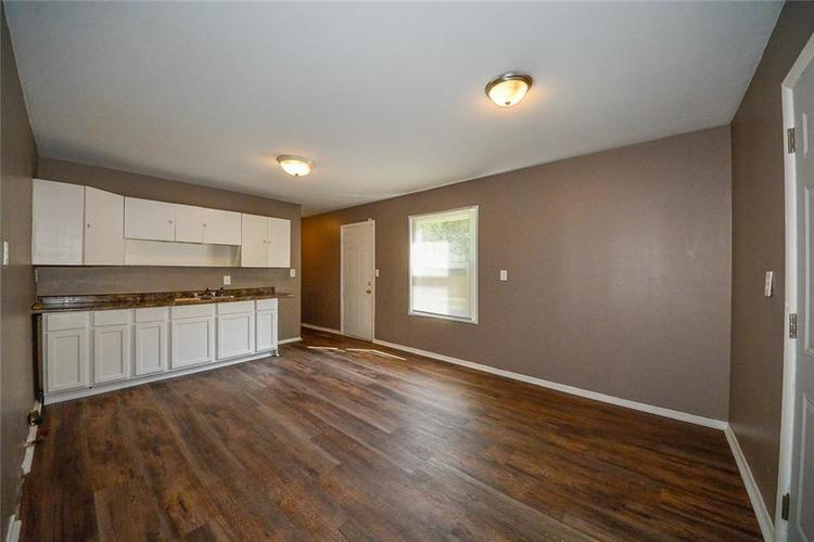3741 Decamp Drive Indianapolis, IN 46226 | MLS 21661795 | photo 3