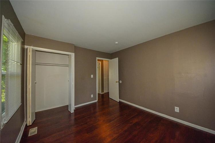 3741 Decamp Drive Indianapolis, IN 46226 | MLS 21661795 | photo 6