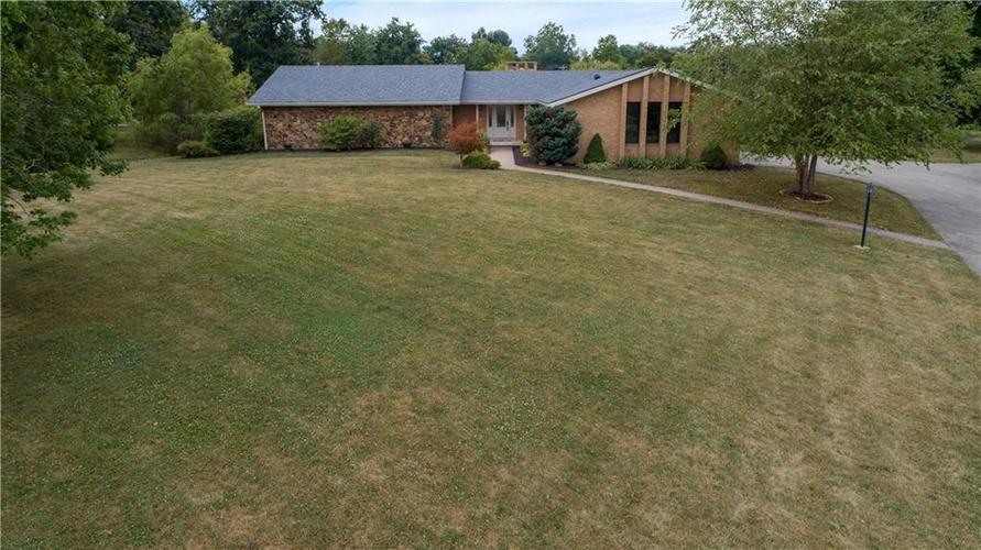 907  Country Club Drive Greensburg, IN 47240 | MLS 21661807