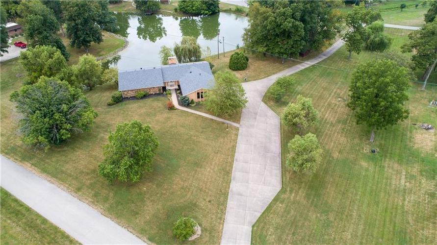 907 Country Club Drive Greensburg, IN 47240 | MLS 21661807 | photo 13