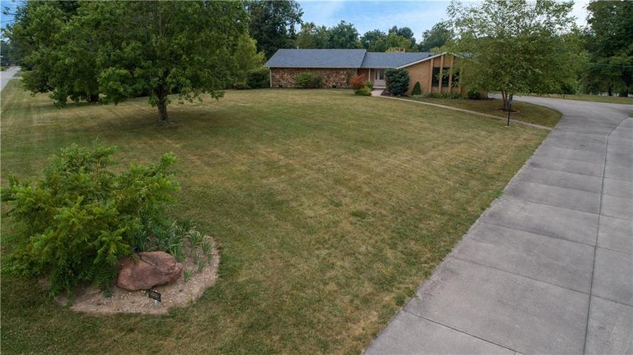 907 Country Club Drive Greensburg, IN 47240 | MLS 21661807 | photo 2