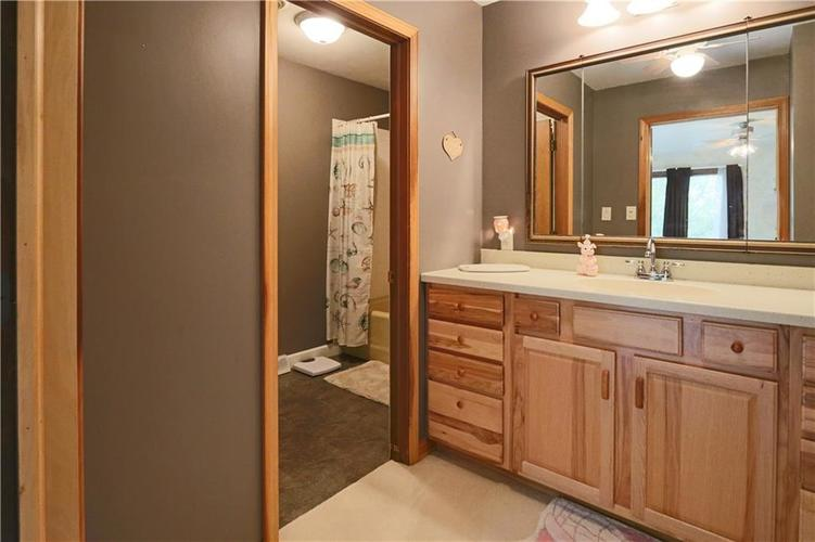 907 Country Club Drive Greensburg, IN 47240 | MLS 21661807 | photo 34