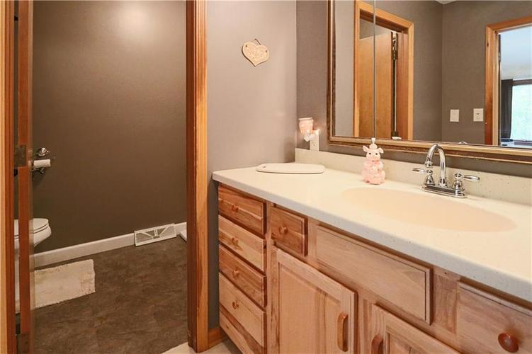 907 Country Club Drive Greensburg, IN 47240 | MLS 21661807 | photo 37