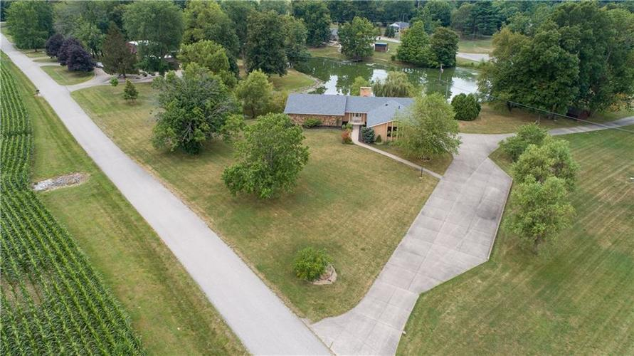 907 Country Club Drive Greensburg, IN 47240 | MLS 21661807 | photo 4