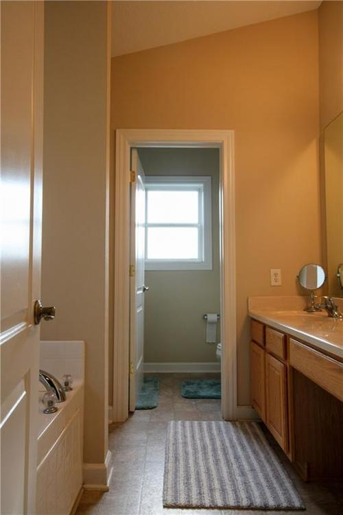 5815 Cabot Drive Indianapolis, IN 46221 | MLS 21661814 | photo 22