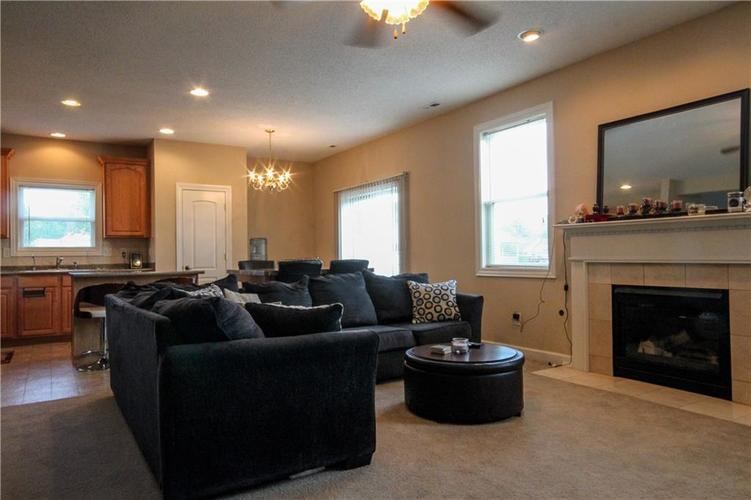 5815 Cabot Drive Indianapolis, IN 46221 | MLS 21661814 | photo 9