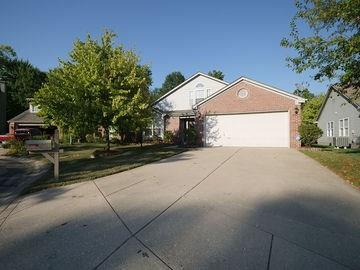 6479 HUNTERS GREEN Lane Indianapolis, IN 46278 | MLS 21661833 | photo 1