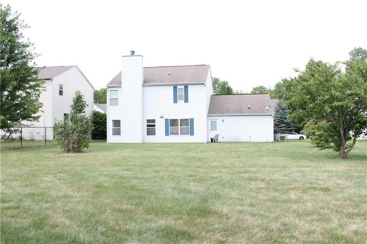 6267 LANCASTER Place Zionsville, IN 46077 | MLS 21661844 | photo 29