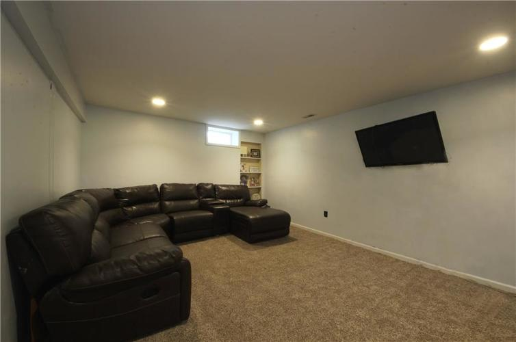 6279 W Ralston Road Indianapolis, IN 46221 | MLS 21661885 | photo 16