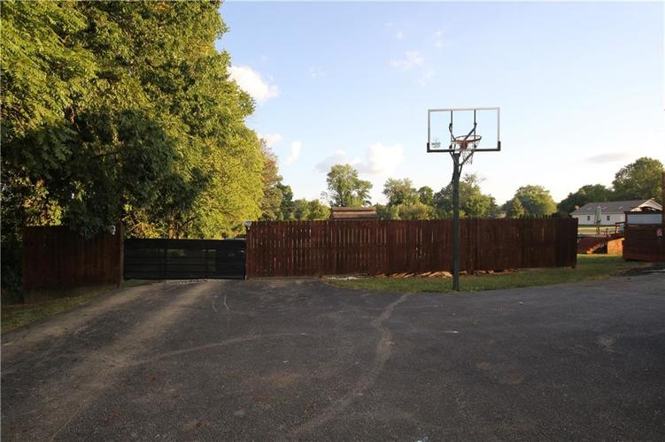 6279 W Ralston Road Indianapolis, IN 46221 | MLS 21661885 | photo 21