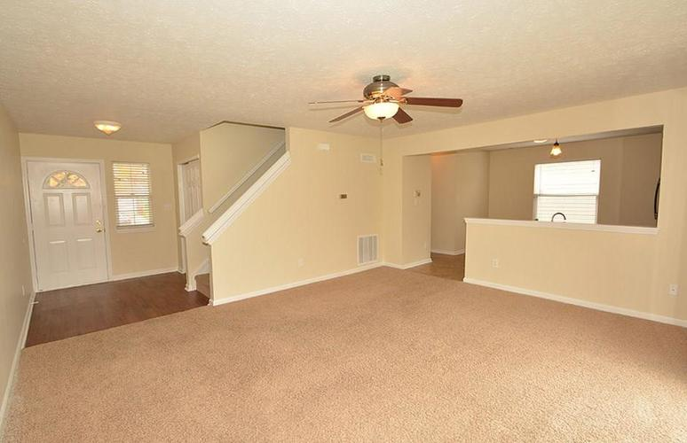 11626 Congressional Lane Indianapolis, IN 46235 | MLS 21661931 | photo 4