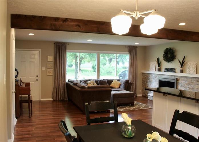 9212 Warwick Road Indianapolis, IN 46240 | MLS 21661952 | photo 11