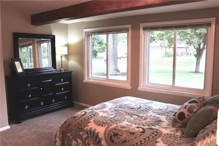 9212 Warwick Road Indianapolis, IN 46240 | MLS 21661952 | photo 17