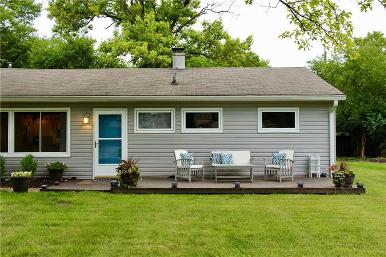 9212 Warwick Road Indianapolis, IN 46240 | MLS 21661952 | photo 2