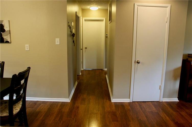 9212 Warwick Road Indianapolis, IN 46240 | MLS 21661952 | photo 26